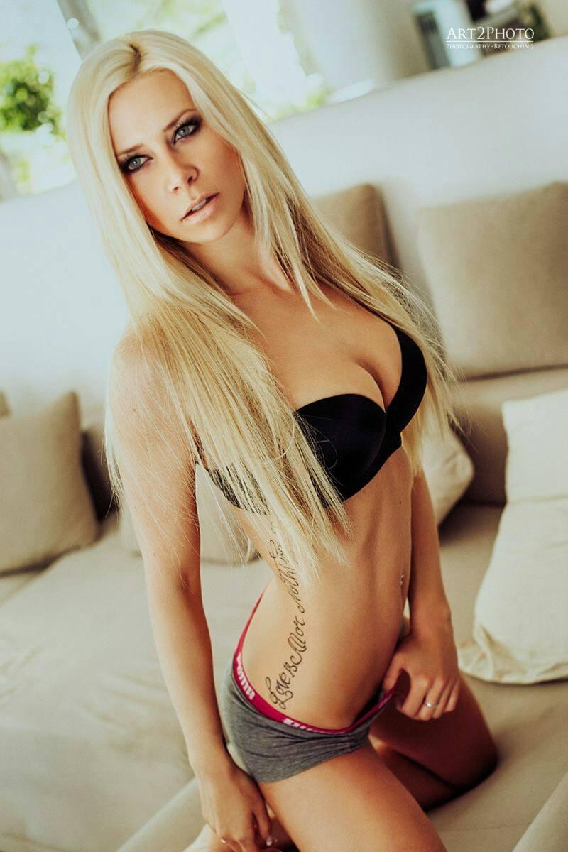 Angela Kutscher Bodyliciouz Female Model