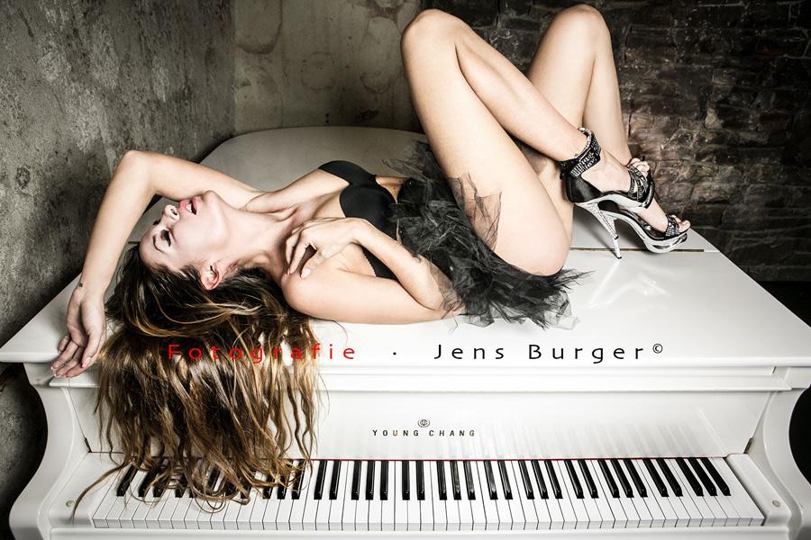 Jennifer Bretz