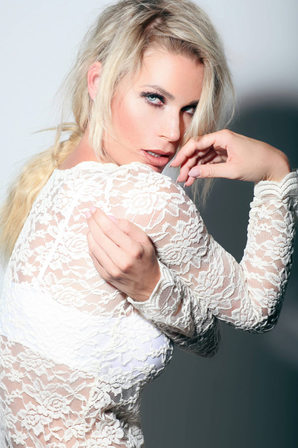 Ramona Bernhard